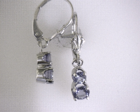 14kW 0.92ctw Tanzanite Earrings with Lever Backs