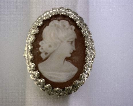ESTATE 10kY Cameo Ring [3.8dwt]