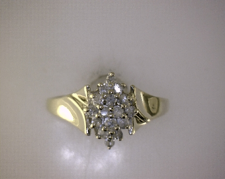 ESTATE 10kY 0.24ctw J-K I2 Single Cut Diamond (16) Cluster Ring